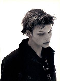 Magazine: The Face Year: 1993 Models: Linda Evangelista Photographer: David Sims