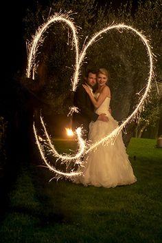 Wedding photo shooting with sparklers creating a heart and long time exposure © www.finestweddingphotography.com Susi Nagele Hochzeitsfotografie | Finest wedding photographer Austria | Vienna  Hochzeitsfotograf Wien Hochzeit Österreich