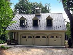 A great garage/guest house