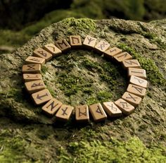 Runen Magic Runes Witchcraft Runer fun diy crafts for your room - Fun Diy Crafts Runas Futhark, Elder Futhark, Wiccan, Witchcraft, Magia Elemental, Ancient Runes, Celtic Runes, Viking Runes, Celtic Art