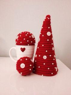 Addobbi in polistirolo, tubolare di lana e perline! Per un Caldo Natale!!!