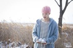 """[STARCAST] JIMIN in MV shooting behind the scenes for """"Spring Day"""" Bonus: Jimin was laughing so hard because J-Hope tried to help him relax and smile naturally for the shooting but, obviously,. Bts Bangtan Boy, Bts Jimin, Bts Boys, Jimin Pink Hair, Bts You Never Walk Alone, Bts Spring Day, Rap Monster, Jung Hoseok, Seokjin"""