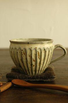 Ash glaze mug mat powder by Japanese ceramic artist Miya Ryusaku. via ameblo
