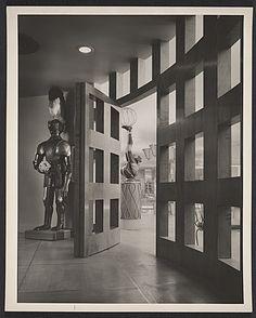 Entrance foyer to the John-Frederics showroom designed by T.H. Robsjohn-Gibbings, ca. 1939