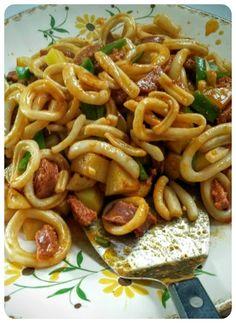 Calamari with chorizo and pepper / La Plancha Eno - a bit of . tulipe_isa ♡ Calamari with chorizo and pepper / La Plancha Eno - a bit of . Easy To Cook Meals, How To Cook Pasta, Easy Cooking, Chorizo, Calamari Recipes, Seafood Recipes, Seafood Bbq, Squid Dishes, Tapas