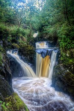 [Jesus what did they do to this thing it's like Thomas Kincade took a handful of Adderall and sat in front of a pirated copy of Photoshop for 10 hours] ✯ Triple Pecca Falls - York, UK