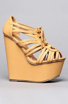 love this color nude! The Chandlar Shoe in Tan by *Sole Boutique