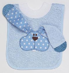 Bib and extra to wipe the goo! Have to make something like this!