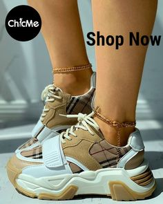 Sneakers Wallpaper, Shoes Wallpaper, Sneakers Fashion Outfits, Shoes Sneakers, Nike Huarache, Lace Up, Boots, Clothing, Women