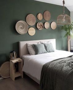 ustgreenleaves on Instagra Home Decor Bedroom, Bedroom Wall, Interior Design Living Room, Living Room Decor, House Paint Interior, Interior Livingroom, Green Rooms, Bedroom Green, Bedroom Colors