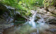Ninglinspo River Hike - Oui, go! Places To Travel, Travel Destinations, Places To Visit, Monuments, Les Cascades, Ardennes, Excursion, Kayak, Staycation
