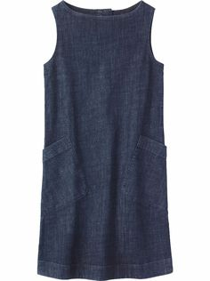 Simple and versatile A-line shift dress in a weighty, supple denim with 2% stretch. Boat-ish neck. Two large patch pockets. Please note - this model is particularly tall, the dress would typically fall below the knee.