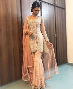 Bridal Fashionable Muslim Pakistani Outfit For Eid Mubarak 34 Viswed Fashionable Muslim Pakistani Outfit For Eid Mubarak 34 Viswed Pakistani Party Wear, Pakistani Wedding Outfits, Pakistani Couture, Pakistani Dress Design, Pakistani Dresses, Pakistani Gharara, Pakistani Clothing, Eid Dresses, Indian Designer Outfits