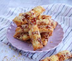 Sajtos-sonkás vendégváró falatkák | Mindmegette.hu Hungarian Cuisine, Kefir, Cake Recipes, French Toast, Sandwiches, Sweets, Snacks, Make It Yourself, Baking