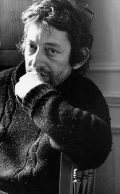 Tony Frank n'est pas un photographe de stars. Tony Frank saisit l'âme des célébrités pour mieux les raconter. Au vernissage à la Galerie de l'Instant, la foule s'est pressée afin de (re)découvrir Serge Gainsbourg. Tony Frank a ému avec ces clichés intimes et léchés. Gainsbourg n'a jamais ét...