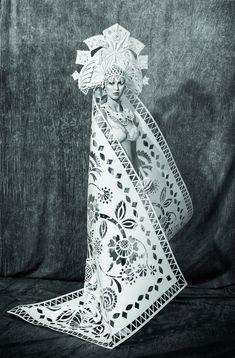 Les robes de mariée en papier de différentes cultures de Asya Kozina  2Tout2Rien