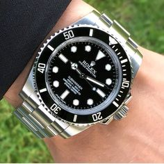 """lovinwatch: """"The Classic Rolex Submariner No-Date. You can't go wrong with this watch 👌🏼 Photo by """" Dream Watches, Luxury Watches, Cool Watches, Rolex Watches, Watches For Men, Wrist Watches, Rolex Submariner No Date, Rolex Datejust, Rolex Diver"""