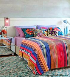Sensitive solved bedroom design ideas Read More Here Bedroom Decorating Tips, Decorating Small Spaces, Bedroom Loft, Bedroom Storage, Design Your Bedroom, Bedroom Designs, Berlin Apartment, Quirky Decor, Tiny Apartments
