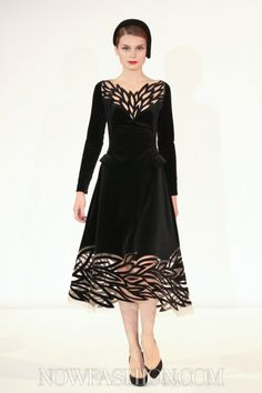 has potential Yulia Yanina Couture Look Fashion, High Fashion, Womens Fashion, Fashion Design, Robes D'occasion, Lagerfeld, Beautiful Outfits, Classy Outfits, Pretty Dresses