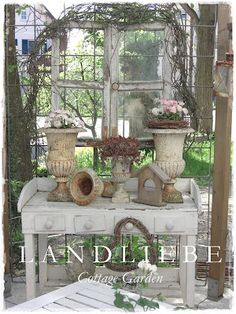 Displaying some of your favorite garden items together just to make something pretty. from Landiebe blog