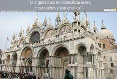 """#Frase del día: """"La arquitectura es materializar ideas, crear sueños y vivir en ellos""""... Basílica de San Marcos #Venecia #Italia, obra maestra de influencia bizantina, la construcción fue iniciada en 832 para guardar el cuerpo de San Marcos."""