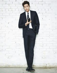 Kim Young Kwang who has seen his popularity spiral upwards since appearing in 'Pinocchio' and 'Plus Nine Boys,' recently inked an endorsement deal with LG VONIN to endorse their men's cosmetics line. Park Hae Jin, Park Hyung, Park Seo Joon, Lee Dong Wook, Ji Chang Wook, Asian Actors, Korean Actors, Kim Young Kwang, Lee Sun