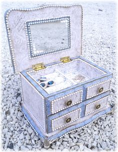 Mitt Lille Papirverksted: The Secrets in the Jewelry Box