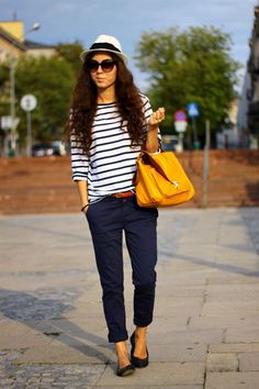 Yellow purse is fabulous