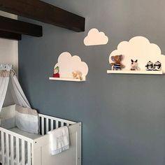 Neue Wolkenliebe #zuhausebei Christina ☁️- so schön. Und eines der ersten #meinlimmaland Bilder für November. Wir freuen uns wirklich über jedes Foto von euch. . . . #wolkentattoo #babyzimmer #babyroom #baby #babydecor #wolken #nursery #wanddeko #bilderleiste #ikeahack #ikeadiy #ikeakids #ikeakidsroom #ikearibba #ikeamosslanda #wolkenliebe