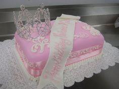 beautiful pageant cake