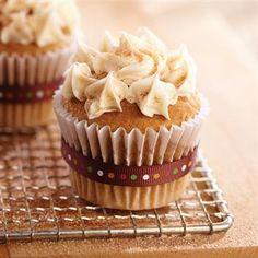 Snickerdoodle Cupcakes #recipe #bakesale #backtoschool #cupcakes