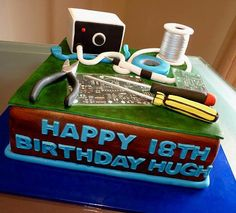 Computer/electronics Cake, via Flickr. 40th Birthday Cakes, Boy Birthday, Birthday Ideas, Computer Cake, Cake Toppings, Grad Parties, Fondant Cakes, Cake Designs, Amazing Cakes