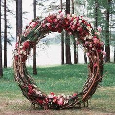 18 Circle Ceremony Arch Hochzeitsdekoration Ideen - Pretty My Party, Wedding Arch Rustic, Outdoor Wedding Decorations, Wedding Wreaths, Ceremony Decorations, Wedding Bouquets, Wedding Arches, Decor Wedding, Arch Decoration, Wedding Art