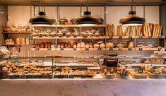 Los mejores sitios de Madrid para desayunar o tomar un brunch esta Navidad Huevos Rancheros, Brunch, Ceiling Lights, Tapas, Home Decor, Spain, World, Homemade Jelly, Spanish Food