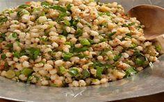 Karatay Mutfağı Buğday Salatası Turkish Recipes, Ethnic Recipes, Fried Rice, Salad Recipes, Diet Recipes, Healthy Recipes, No Gluten Diet, Bulgur, Perfect Food