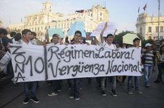 En poco más de 10 días, las marchas #18D, #22D y #29D movilizaron varios millares de personas y literalmente tomaron varias calles de Lima. No se trató de las mismas marchas de siempre, con las mismas arengas de siempre o con la misma gente de siempre. Estas marchas eran diferentes. El Nuevo Régimen Laboral Juvenil se promulgó el martes 16 de diciembre, y un día después de su aparición en el diario oficial El Peruano, las redes sociales se llenaron de indignación e impotencia.
