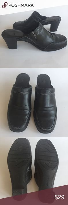 """Clark's bendable mules Clark's leather mules, super soft and bendable. 2.5"""" heels and rubber soles.       (Item 230) Clarks Shoes Mules & Clogs"""