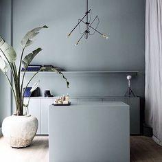 Inspiratie voor het inrichten van een kleine hal hal inrichting inspiratie pinterest kleur - Deco kleur muur decoratie ...