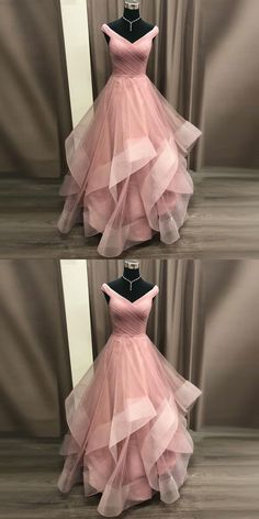 Gorgeous Gowns 2019 Princess Prom Dress Off The Shoulder Formal Gown For Evening Layered Tulle Skirt Mode Dress Evening Formal Formelle kleider Gorgeous Gown Gowns Layered Princess Prom Shoulder Skirt Tulle Prom Dresses Long Pink, Princess Prom Dresses, Grad Dresses, Pretty Dresses, Homecoming Dresses, Beautiful Dresses, Evening Dresses, Dresses For Teens, Tulle Prom Dress