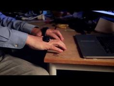 キーボードやマウスを超える新たなモバイル・ウェアラブル用「手のひら装着型入力デバイス」開発進行中 - GIGAZINE