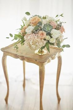 Get the latest info for wedding flower decorations, It is definitely possible to plan a great wedding in a tight budget. You don't have to take on debt to have a wedding. You are able to handle the invitations yourself, favors and floral arrangements. Wedding Table Centerpieces, Wedding Flower Arrangements, Flower Centerpieces, Flower Bouquet Wedding, Flower Decorations, Wedding Decorations, Centerpiece Ideas, Floral Arrangements, Flowers Vase