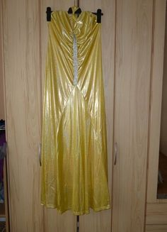 Kupuj mé předměty na #vinted http://www.vinted.cz/damske-obleceni/vecerni-saty/10781833-luxusni-zlate-saty-zn-ever-pretty-vel1418