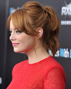 Freaking Emma Stone! Adorable. Love the hair.