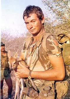 """Rhodesian soldier - a """"troopie. Story Of Jacob, The Centurions, Vietnam War Photos, War Photography, All Nature, My Heritage, African History, Military History, Armed Forces"""