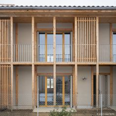 30 Housing - Chanteloup-en-Brie 77 Wood engineers and builders Wood School, Timber Architecture, Wooden Facade, Base Building, Timber Structure, Social Housing, Wood Detail, Design, Wood