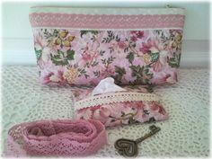 Анюткина комната: Розовые косметички и кармашки для бумажных платочков