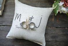 Personalisierte Ring Bearer Kissen von DecoratedRoom auf Etsy