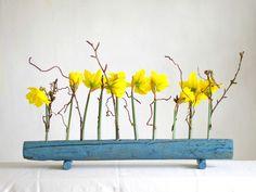 Vasen - Vase aus Treibholz u Glasröhrchen, blau,Blumenvase - ein Designerstück von restyled bei DaWanda