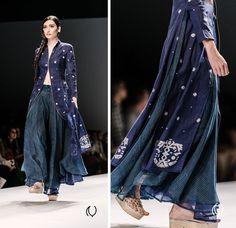 WIFWSS14 Naina.co Rahul Mishra Wills Lifestyle India Fashion Week Spring Summer 2014 Raconteuse 17 Rahul Mishra #WIFWSS14 Naina.co photograp...