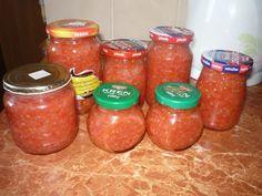 Jak uchovat naloupaný česnek? Salsa, Jar, Food, Essen, Salsa Music, Meals, Yemek, Jars, Eten